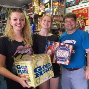 Dynamite-Fireworks-Indiana-Customers-Hammond-Chicago-Firework-Store